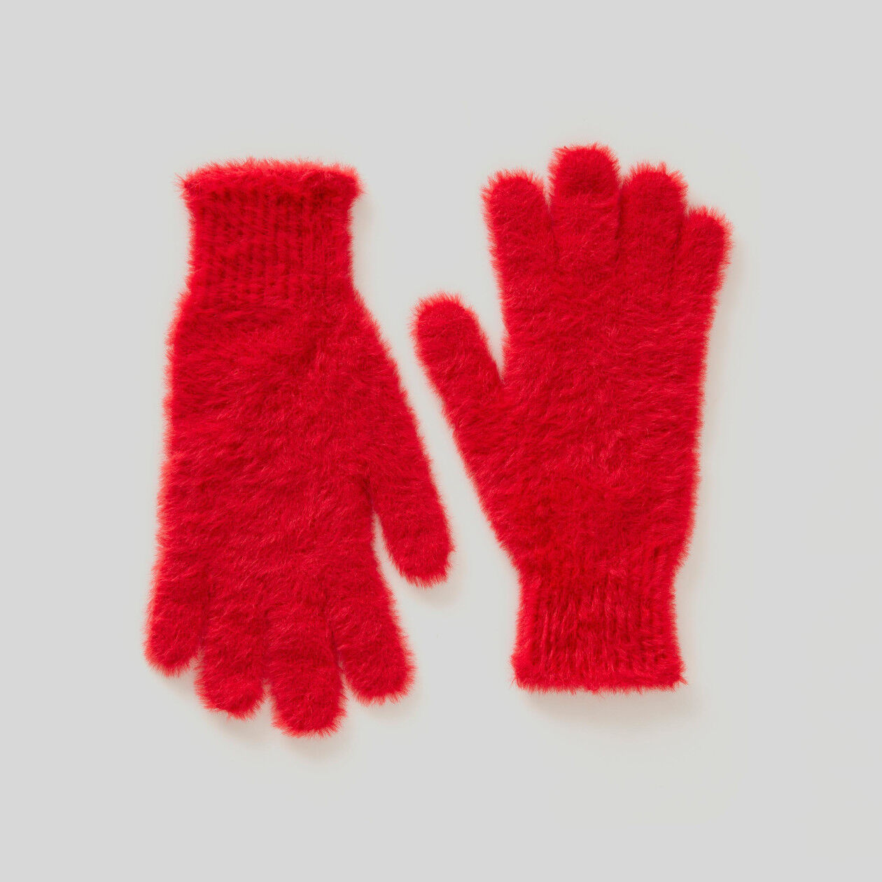 Gloves in long-haired yarn