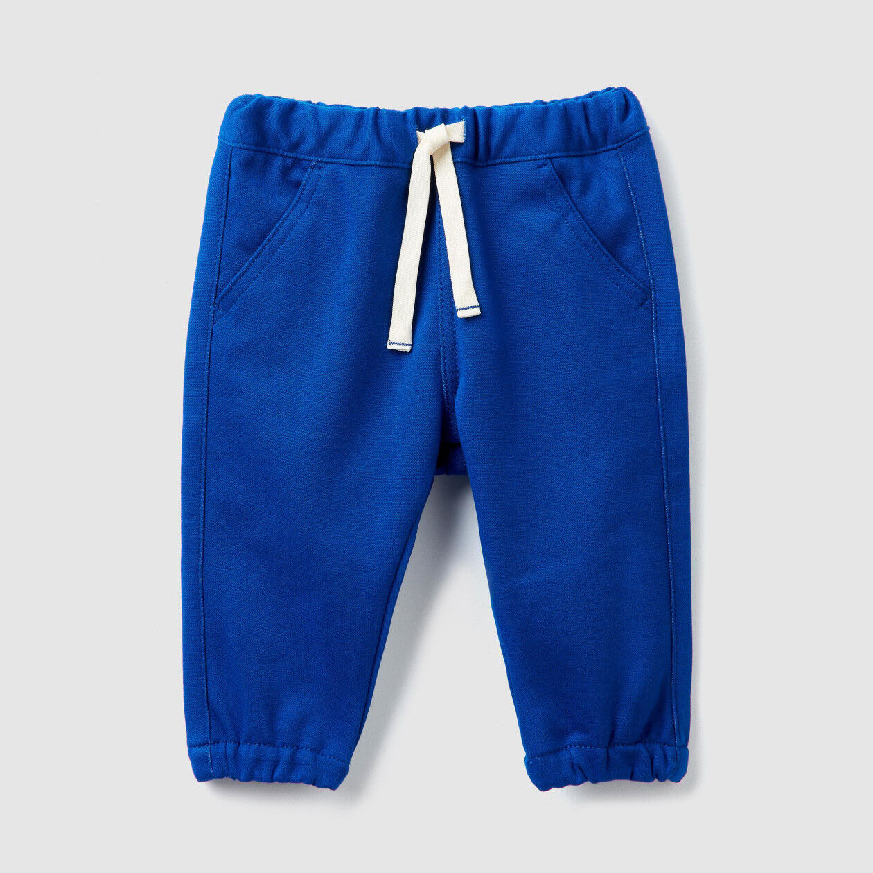Stretch trousers with elastic