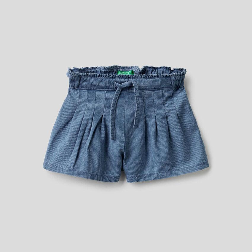 Shorts in ribbed denim
