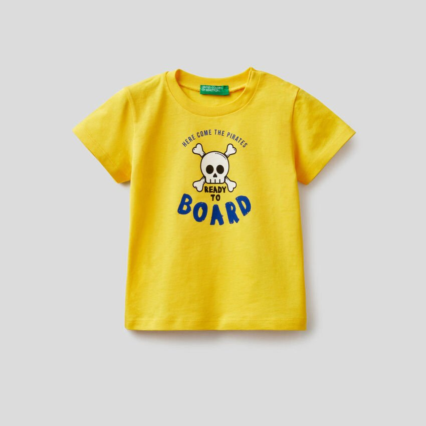 Cotton t-shirt with pirate print