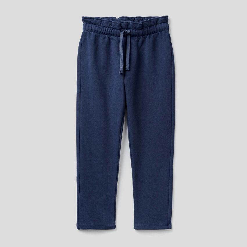 Sweatpants with gathered waist