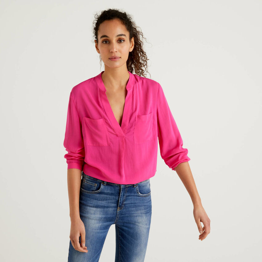 Flowy blouse with V-neck